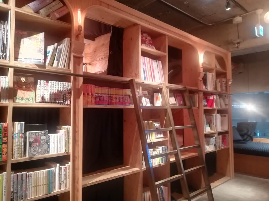 BOOK AND BED池袋の内装