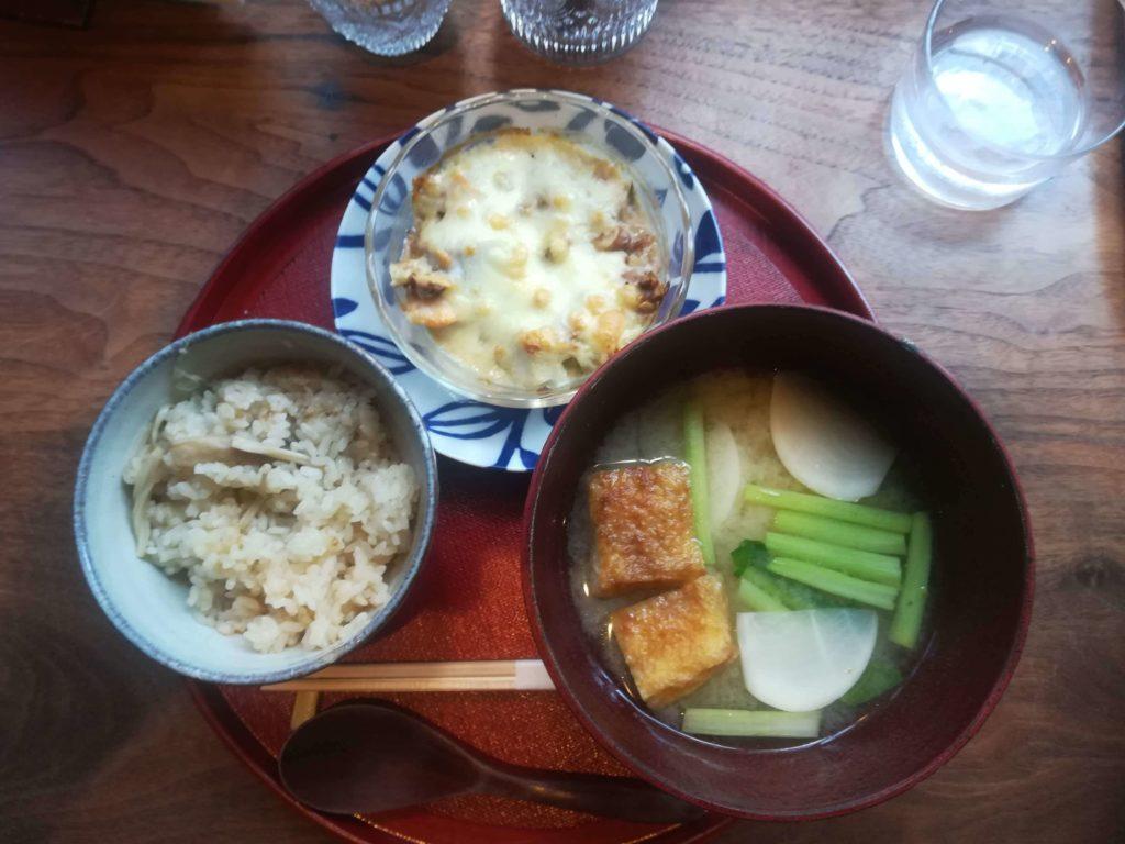 胡桃同喫茶店の里芋のグラタン定食